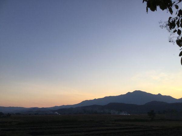 Mountain Sky Scenics - Nature Beauty In Nature Sunset Mountain Range Environment