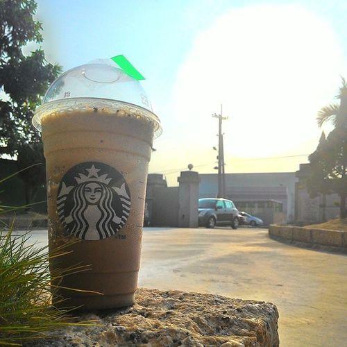 今日午餐85塊錢。 Starbucks Mocha Cocoa 摩卡可可碎片 星冰樂