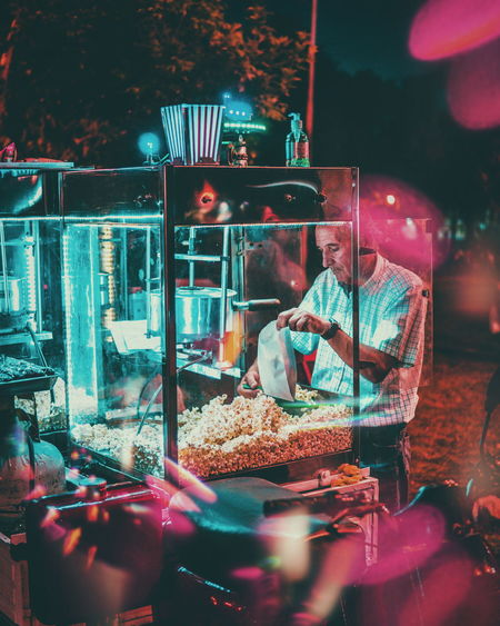 EyeEmNewHere Night Food People VSCO Occupation Streetphotography This Week On Eyeem Night Photography Neon Neon Lights EyeEmBestPics One Person Working Lights The Week on EyeEm Editor's Picks See The Light Fresh On Market 2017 HUAWEI Photo Award: After Dark