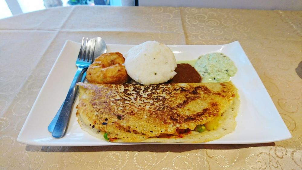Plate Bread Ready-to-eat Food And Drink Food Healthy Eating Breakfast Indoors  SLICE Freshness Serving Size No People Sandwich Toasted Bread Sliced Bread Close-up Day Idli Idly Dose Dosa MasaleDose Wade Vade