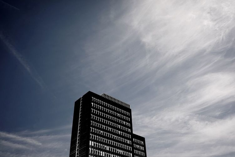 Sky Architecture Low Angle View Cloud - Sky Built Structure Building Exterior Nature No People Tower City Modern Building Copy Space Outdoors Office Building Exterior Business Finance And Industry Illuminated