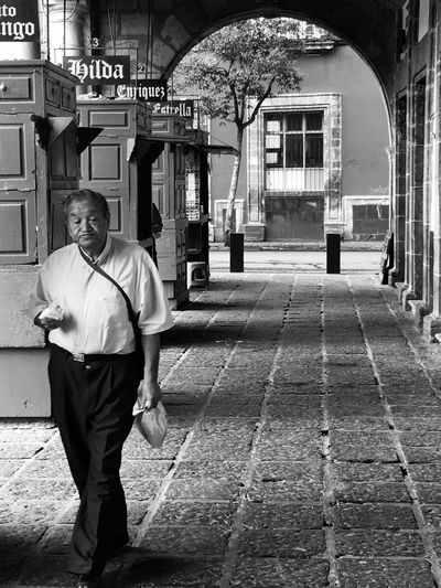 Walking, old man, bw, black&white