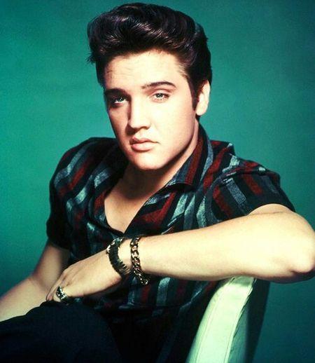 I love this man. ❤Perfect. Elvis Presley