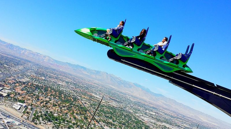 Shrillride Day Motion Extreme Sports Sport Adventure Sky Clear Sky People Thrill Rides Thrill Ride Thrilling Moment Summer ☀ Theme Park Ride Theme Park Fear Of Heights High Rise High Altitude Frightening Frightened  Scary Moment Scary Places Las Vegas