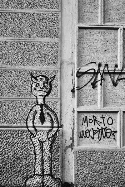 Day Outdoors Graffiti Graffiti Art Graffiti Wall Graffiti & Streetart Comics Blackandwhite Black And White Black & White Blackandwhite Photography