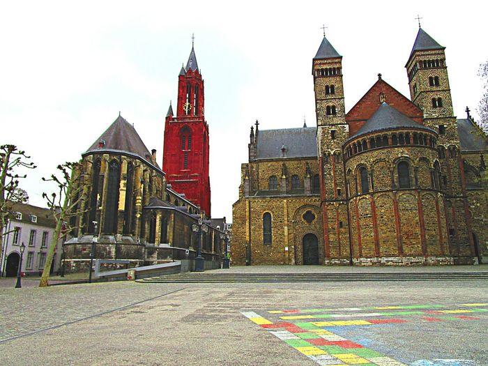 Maastricht Vrijthof Mestreech Cathedral Church DitisLimburg Ilovelimburg Prachtig Limburg