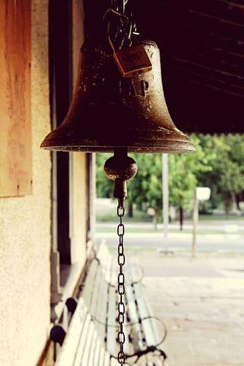 Campana asegurada. Campana Town Pueblo