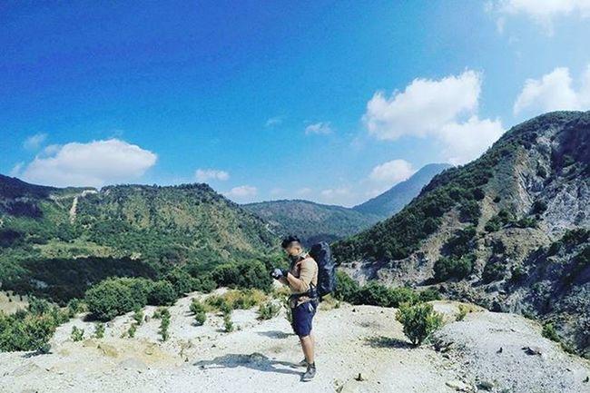 Sunday Morning... 14wayspapandayan . . . . .📷 : @williamaddys Instanusantara Jj_tinypeeps Instagood Akujalanjalanloh Wanderlust Wander Wanderlustsyndicate Mountaineering Livefolkindonesia LiveAndLearn Liveauthentic