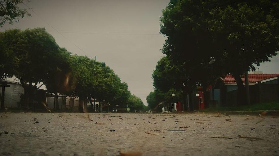 La triste soledad de una tormenta en la ciudad
