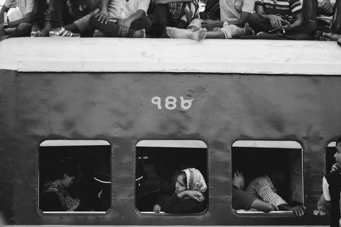Train. Population Train Station Train Blackandwhite Photo Journalist Eid People Chaos Women Men Shuttle Train Eyem EyeEmNewHere