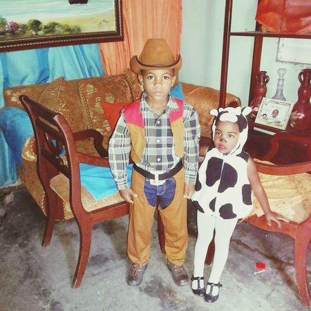 Mis pequeños primos 😍 Potrazo Pswaggers Amor vaca. Disfraz Fiesta Party Vaqueroero