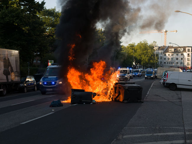 Against Climate Change Baricade Barrikade Climate Change Criminal Demo Demonstration Feuer Fire G20 Gipfel G20 Hamburg G20 Meeting G20 St. Pauli G20 Summit Müll Müllcontainer Müllverbrennung Police Police Car Polizeiauto Schwarzer Block Stupid Unbrauchbar Useless Welcome To Hell