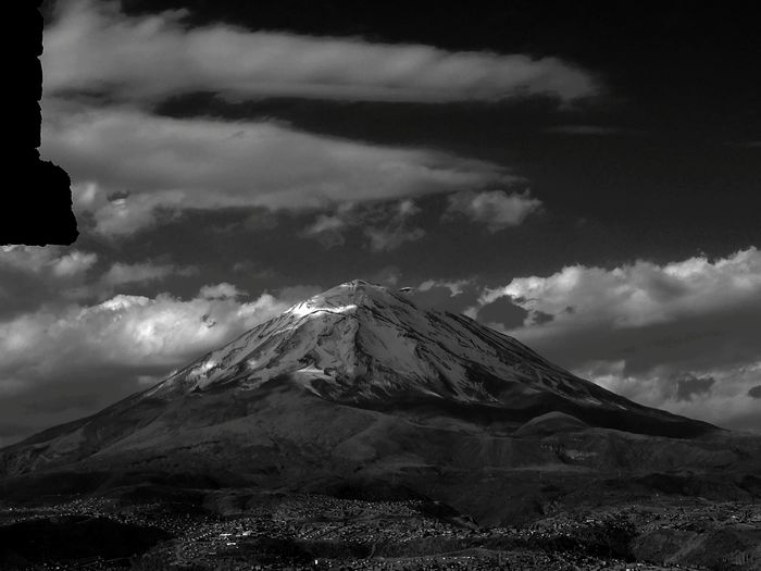Huaweiphotography Arequipa Peru Arequipa - Peru Misti Volcano Volcan Misti Mountain Snow Power In Nature Snowcapped Mountain Cold Temperature Volcanic Landscape Sky Landscape Cloud - Sky Volcanic Activity Glacier Mountain Peak Extreme Weather Active Volcano My Best Travel Photo