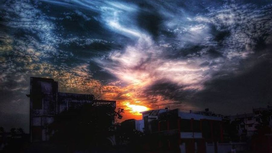 """The dark knight"". Myredmiseries Jj_mobilephoto_081 Jj_mobilephotography Dark Sunset HDR Everydayindia Indiapictures _soi Instadaily Jj_mextures Clouds Divine"