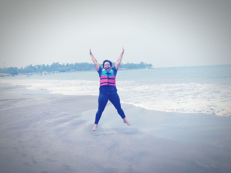 jump! Anyer Beach Anyer <3 Pantai Anyer Anyerbeach Anyer  Indonesia_photography EyeEm Indonesia Indonesia_allshots INDONESIA