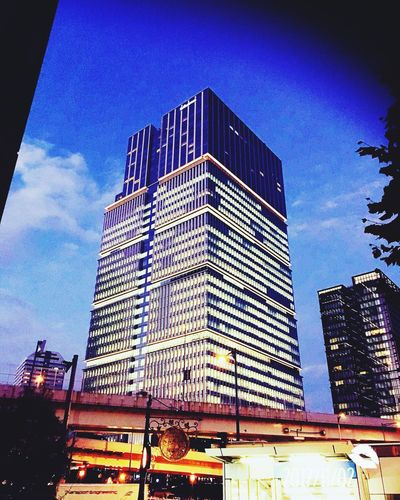 I love tokyo🏙 City Evening Japan Tokyo Taking Photos Low Angle View Building Exterior
