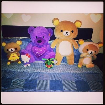Thanks beb! :) ♥ All I wanted was one, now I dont know where to sleep hehe. I love you!! Darylcruz
