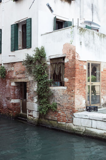 Architecture Brick Building Building Exterior Built Structure City Day Door Entrance House Nature No People Outdoors Reflection Residential District Town Venice Water Waterfront Window