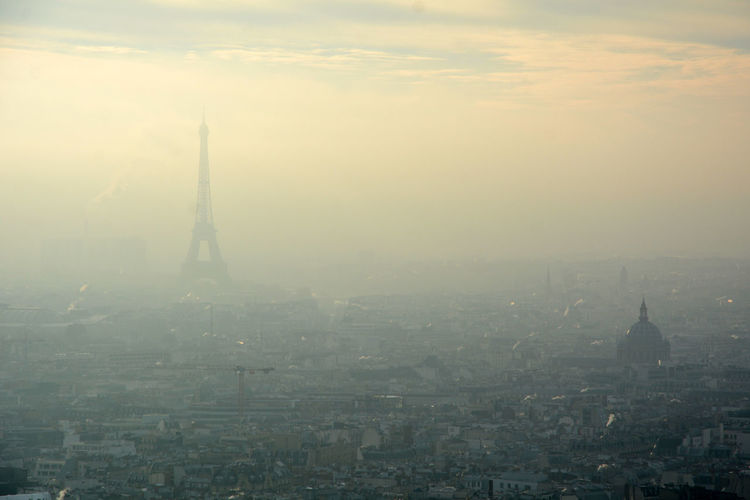 Paris in winter ❄️ Sky City Cloud - Sky Fog Travel Destinations Smog High Angle View First Eyeem Photo Winter Foggy View Paris France Paris, France  Tour Eiffel Eiffel Tower Eiffelturm 巴黎 艾菲爾鐵塔 法国 Frankreich City Sacre Coeur Panorama Mist
