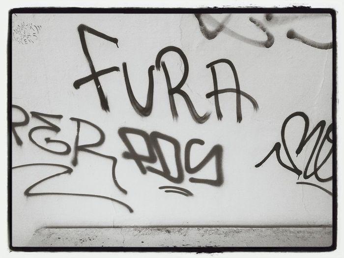fura Graffitti On The Wall