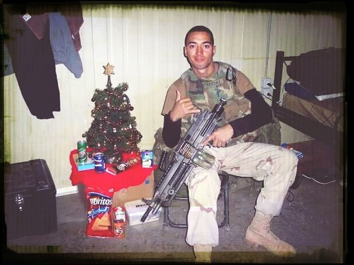 Christmas in Iraq (2004) Working