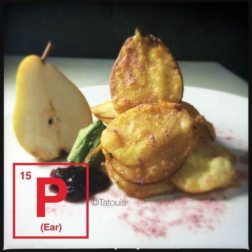 Minha Pera na tempura doce com pó de jabuticabas