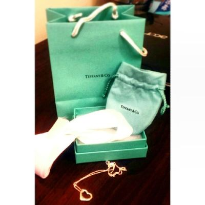 OMG Receiving a Tiffany necklace to celebrate our anniversary? Today is my day! Tiffany Necklace Joy Omg surprised