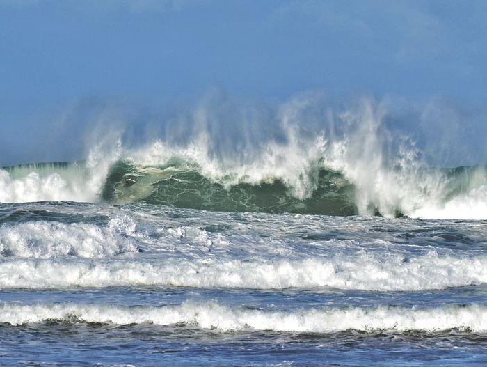La fuerza del mar. The force of the sea. Sea Beach Weave Sourge