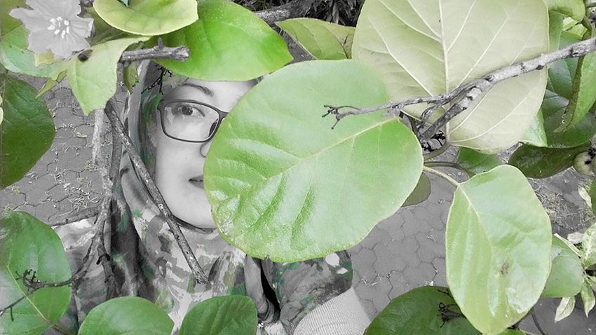 Lets go ..Go Green my man... EyeEm Nature Lover Womanportrait Nature On Your Doorstep Senses Feeling Inspired SelfishSelfie Hijab Style My Sight The Portraitist - 2016 EyeEm Awards