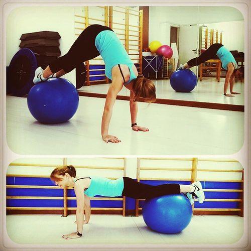 Chinesio Fitness Fitball Befit Gym Picoftheday Instafit Instafitness Instagramers Jacknife Befitness Blonde Instablonde