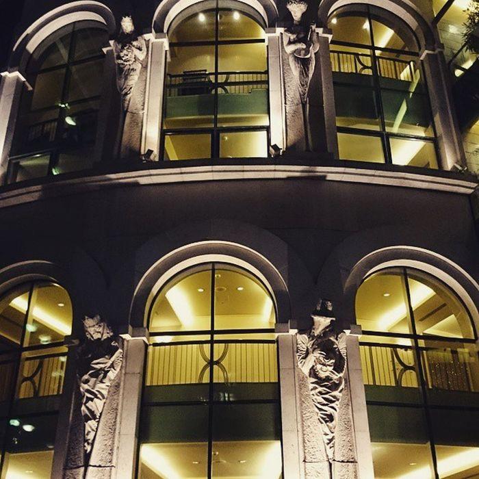 Barangolás a Nemzeti körül. Ig Ighun Nemzeti Szinhaz Theatre Building Night Z1C Instagram Instamood Nationaltheatre Latergram