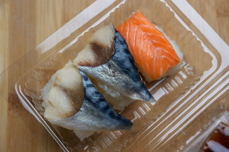 Take out food in plastic container : Japanese Food Plastic Containers Take Out Food Seafood Fish Sushi Food Food And Drink Freshness Asian Food Indoors  Vertebrate Wellbeing Still Life Healthy Eating Animal High Angle View No People Close-up Plate Salmon - Seafood Ready-to-eat Sashimi