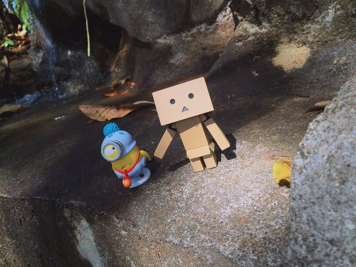 .. First time of the earth visiting.. Danboard Toys Toy Photography Light And Shadow Minions ♥♥ Despicableme