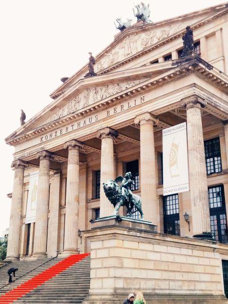 Konzerthaus Berlin Architecture Alemania Edificio Town Square Autumn🍁🍁🍁 Berliner Germany Berlin German Vintage Building Exterior Built Structure Architectural Column Statue Lion Statue Leon Sculpture Travel Destinations