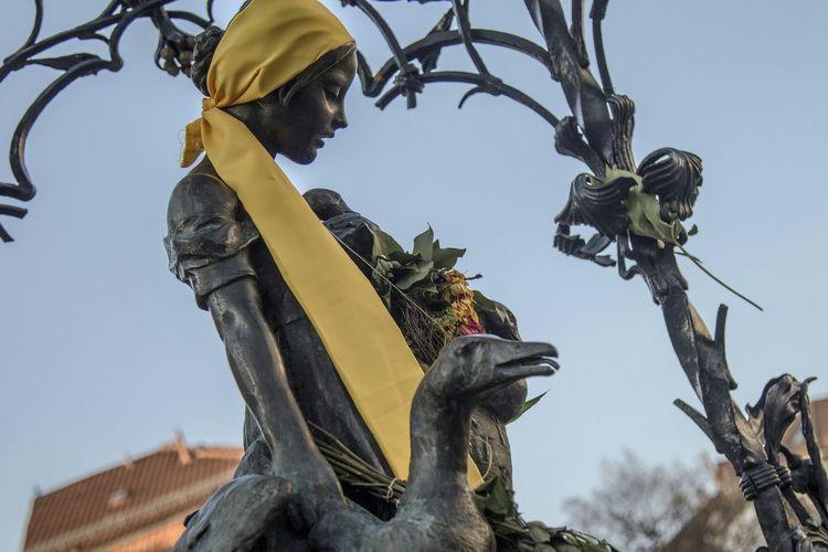the Statue of Ganseliesel (the symbol of Göttingen) Göttingen Oh Göttingen Goettingen Eyeem Market Oldtown Germany EyeEmBestPics Bestoftheday Statue Hello World
