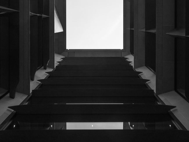 Looking Up Black & White Black & White Photography Bloomberg Building Square Absence Abstract Architecture Black And White Black And White Photography Building Built Structure Day Direction Empty In A Row Looking Up Minimalism No People Sky Symmetrical Symmetry The Way Forward Window The Architect - 2018 EyeEm Awards