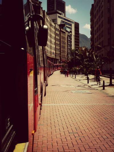 Locutando por las calles bogotanas Bogotá Transmilenio