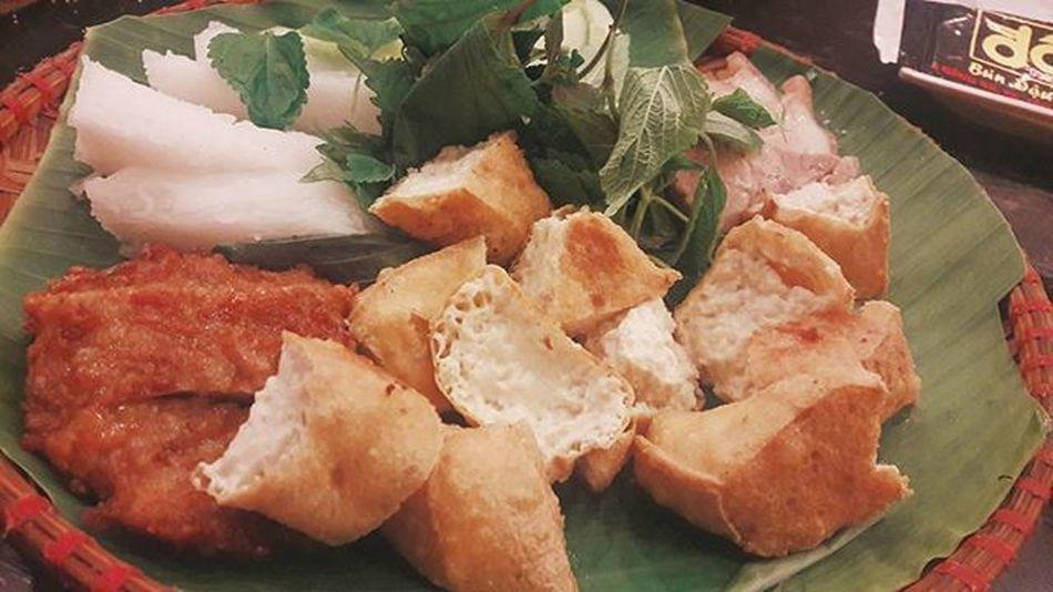 Bún đậu mắm tôm Bundaumamtom Hanoifood Vietnamesefood Asiafood Instaphoto Foodphotography Foodporn Streetfood