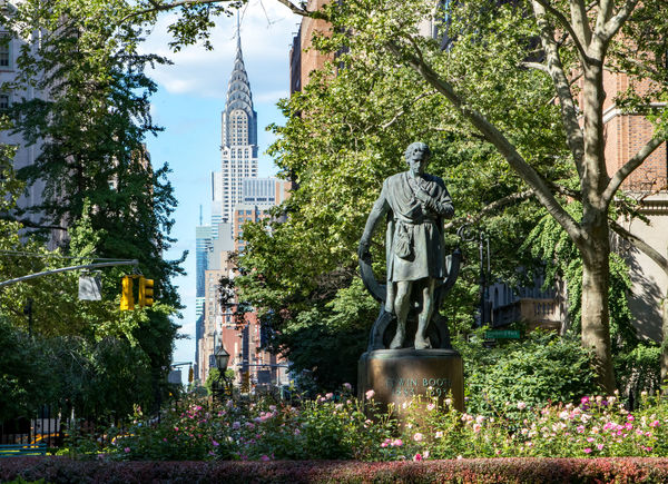 Cityscape Manhattan Manhattan Skyline NYC NYC Photography NYC Street NYC Street Photography Nature New York New York City New York ❤ Built Structure City cityscapes Gramercy Outdoors Outdoors Photograpghy  Park Park - Man Made Space Plant Sculpture Statue Tree Urban
