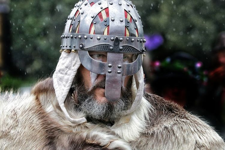Headshot One Person Close-up Portrait Headwear Chain Mail Helmet Classic Helmets Required Helmet Beardstyle Beardlover Beardlife Beardman Beard Metal Protection Reinactment