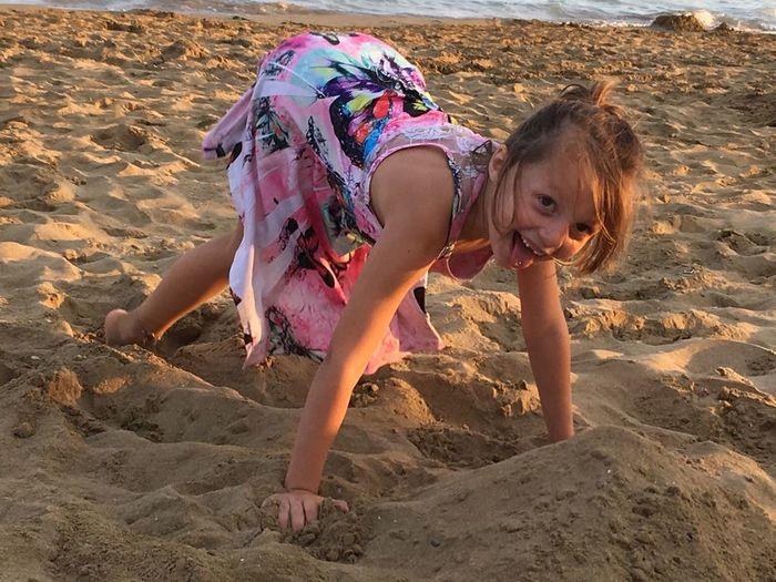 perfekt day Bestday Wildgirl Wildchild Sand Dune Child Beach Sand Girls Friendship Young Women Summer Family Bonds Children