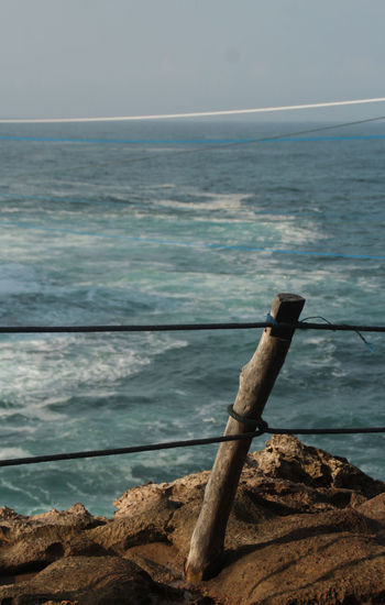 Rope line Rope Seaside Exploring Beauty In Nature Close-up Day Horizon Over Water Line On Seaside Nature No People Outdoors Rijall Rijall Blues Rijallblues Rope Line Rope Seaside Scenics Sea Sea And Sky Sea View Seaside Seaside_collection Sky Tranquil Scene Tranquility Water