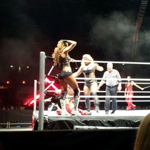 Divas: sempre maleducate Wwe Raw Milan