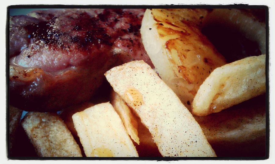 gammon, pineapple and chips @thewestnorfolkpub #heacham #food #eyeem #mmmmmm Relaxing Enjoying Life