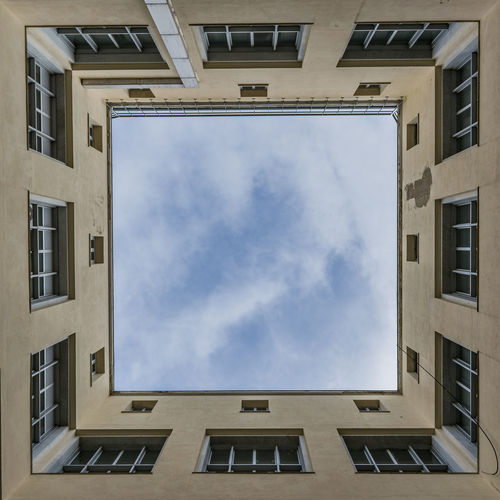 Fame Spiral Staircase Façade Apartment Window Frame Sky Architecture Building Exterior Geometric Shape Point Of View Architectural Detail Art Deco Geometry