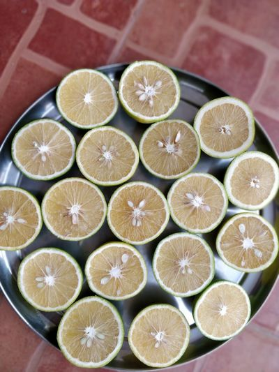 bunch of sweet 🍋 Fruit Citrus Fruit SLICE Grapefruit High Angle View Supermarket Close-up Food And Drink Halved Juicer Sour Taste Vitamin C Tangerine Arrangement