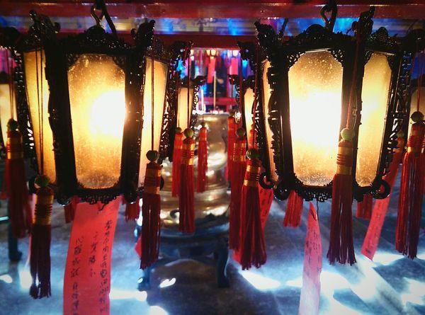Exploring Hong Kong 🇭🇰 Temple Man Mo Temple Hong Kong Chinese Temple Lantern Chinese Lanterns Tassels