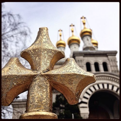 The incredible onion domes of the Russian church in Geneva Travelling