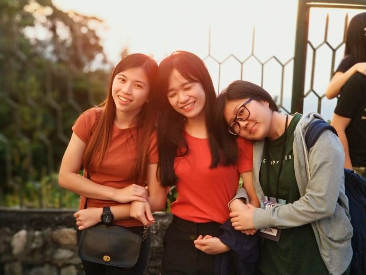 Three beauty Sisterhood ♥ Sunset Beauty Outdoor