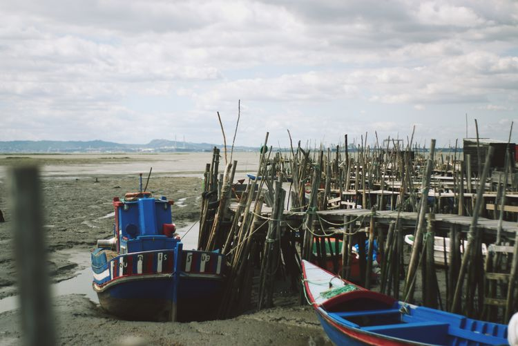 Cais Palafítico Da Carrasqueira - Herdade Da Comporta Cais Palafitico Carrasqueira Beauty In Nature Cloud - Sky Day Fishing Boat Land Mode Of Transportation Moored Nature Nautical Vessel No People Outdoors Port Sailboat Sand Scenics - Nature Sky Tranquil Scene Tranquility Transportation Water Wooden Post Dock Fishing Industry Fishing Equipment Boat Shore Scenics Horizon Over Water The Architect - 2018 EyeEm Awards